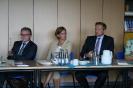 Parteichef Christian Lindner informiert sich am AFG über den Unterricht mit iPads_11