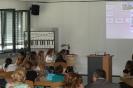 Parteichef Christian Lindner informiert sich am AFG über den Unterricht mit iPads_15