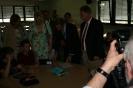 Parteichef Christian Lindner informiert sich am AFG über den Unterricht mit iPads_18